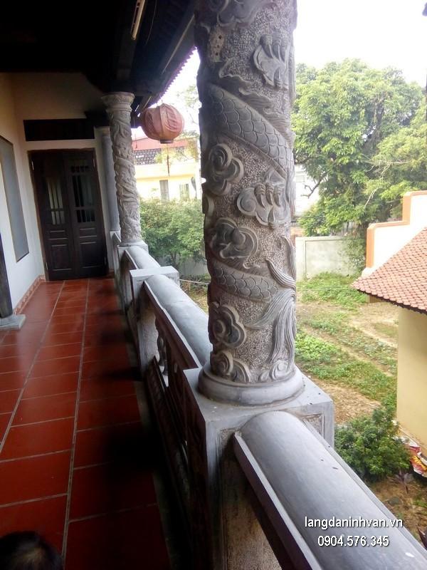Cột đá xanh đẹp nhất chạm khắc lân giá hợp lý