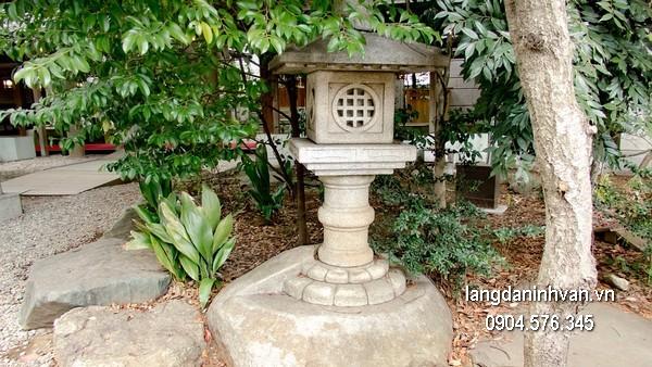Đèn đá sân vườn đẹp thiết kế đơn giản giá tốt