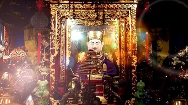 Bài văn khấn nôm lễ ở đền đức ông hoàng bảy ngắn gọn