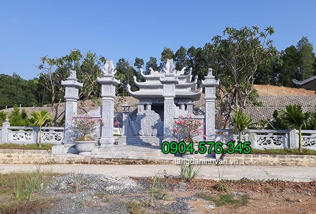 Cổng khu lăng mộ đá đẹp nhất