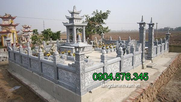 Lăng mộ đá được làm hoàn toàn bằng đá xanh tự nhiên