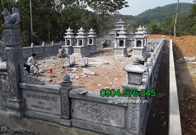 Lắp đặt khu lăng mộ bằng đá