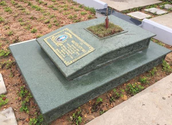 Mẫu mộ đá xanh rêu đẹp chuẩn phong thủy chất lượng tốt giá rẻ