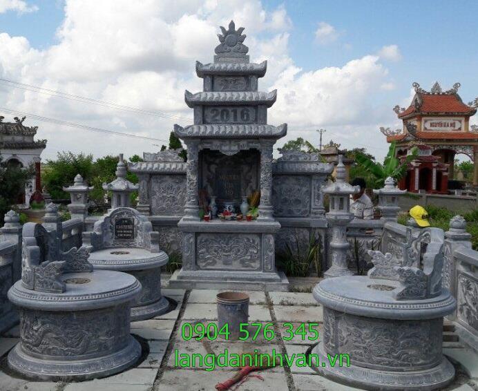 khu lăng mộ gia đình với lăng chính và mộ tròn đèn đá tại bình dương