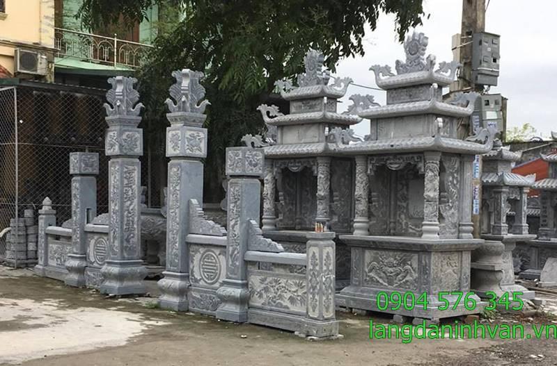 Khu lăng mộ đá đẹp gồm cổng khu lăng mộ lan can và mộ 3 mái, lăng chính
