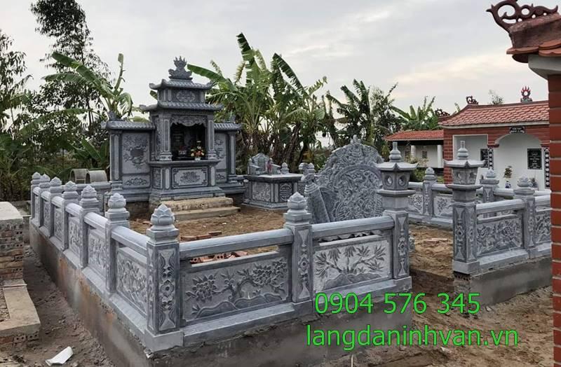 khu lăng mộ gia tiên họ nguyễn văn tại hòa bình