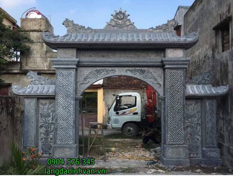 cổng đá đẹp được lắp đặt tại nhà thờ họ