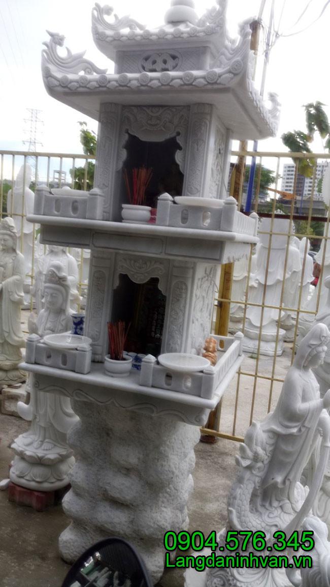 Am thờ bằng đá trắng