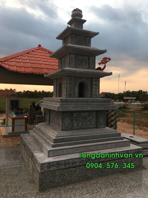 Lắp đặt mộ tháp bằng đá tại Vĩnh Hưng - Long An