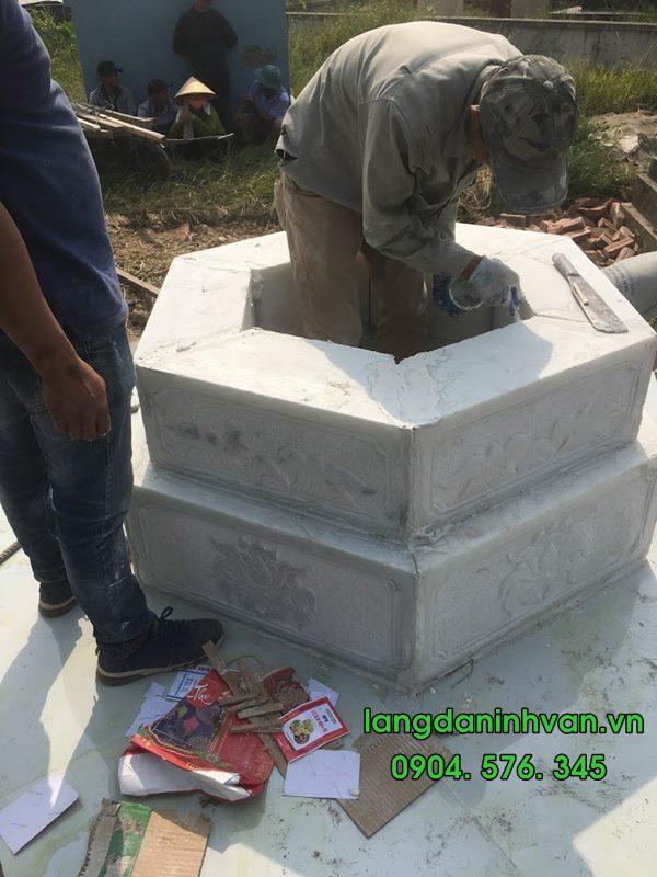 lắp đặt Mộ tháp Mộ lục giác bằng đá trắng tại Phù Cừ - Hưng Yê