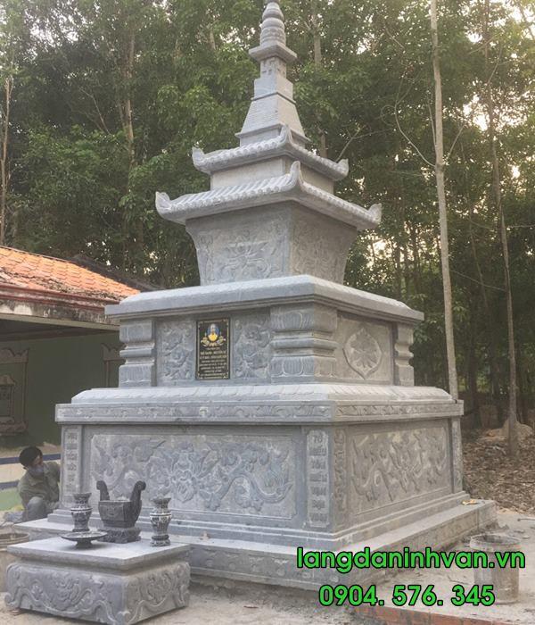 mộ tháp bằng đá tự nhiên được lắp tại bình dương