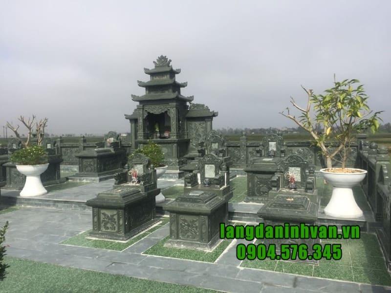 Đặc điểm của mộ đá xanh rêu