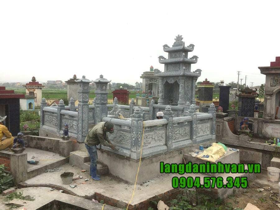 Khu lăng mộ đá tại Ninh Bình