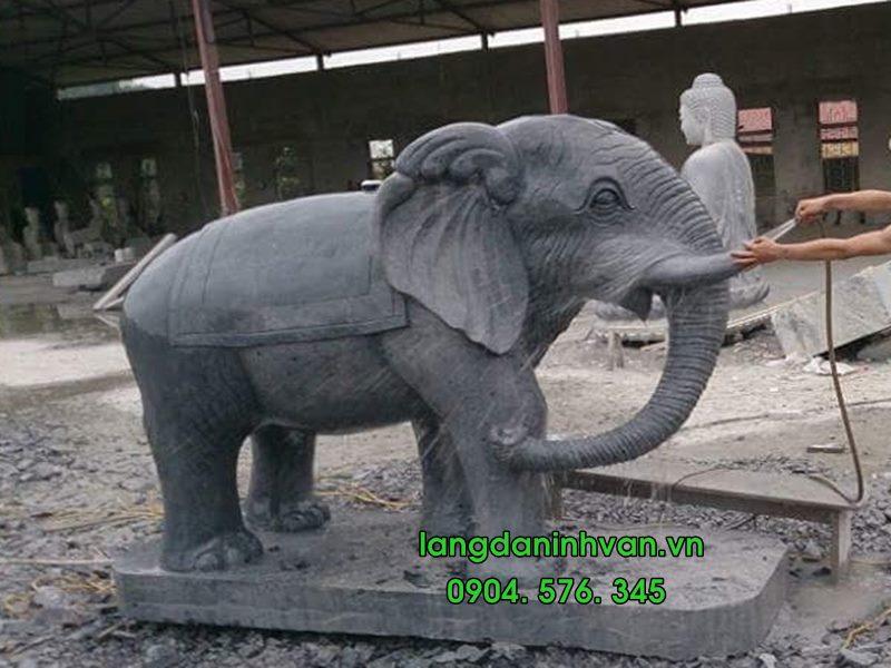 voi đá -  ngựa đá đặt ở đình chùa