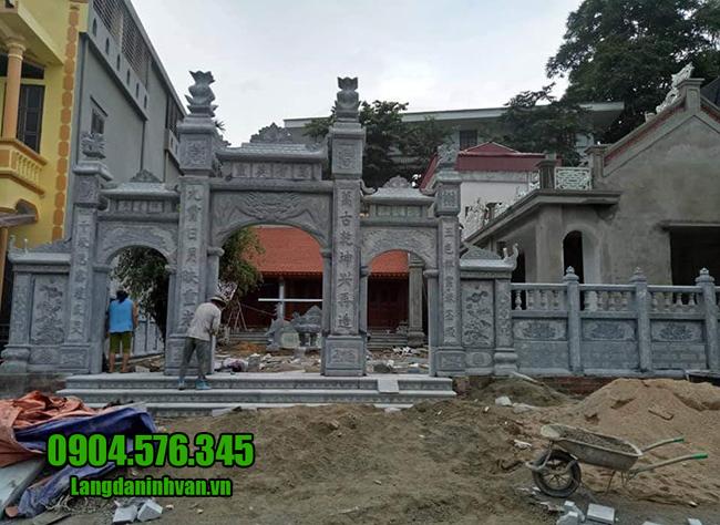 cổng nhà thờ bằng đá xanh