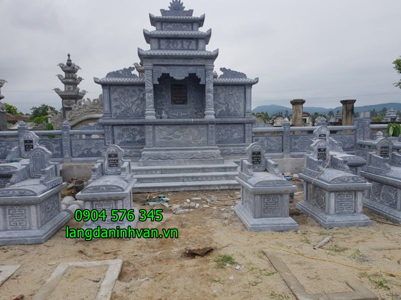 Khu lăng mộ đá đẹp nhất được lắp tại Hà Tĩnh