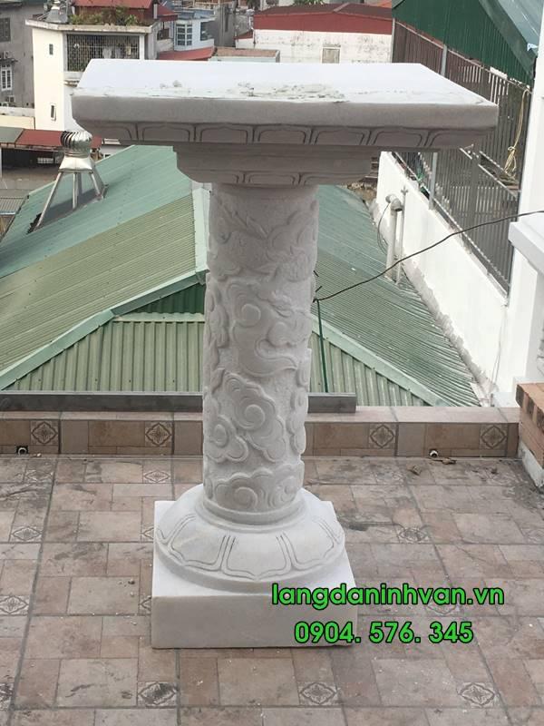 phần đế và phần cột, mặt ban của cây hương trắng không mái