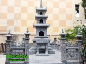 mộ hình tháp phật giáo bằng đá tại Quảng Bình