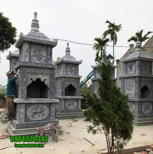 Mộ hình tháp phật giáo bằng đá tại Bình Định