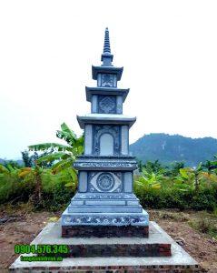 Mộ hình tháp phật giáo bằng đá tại Huế