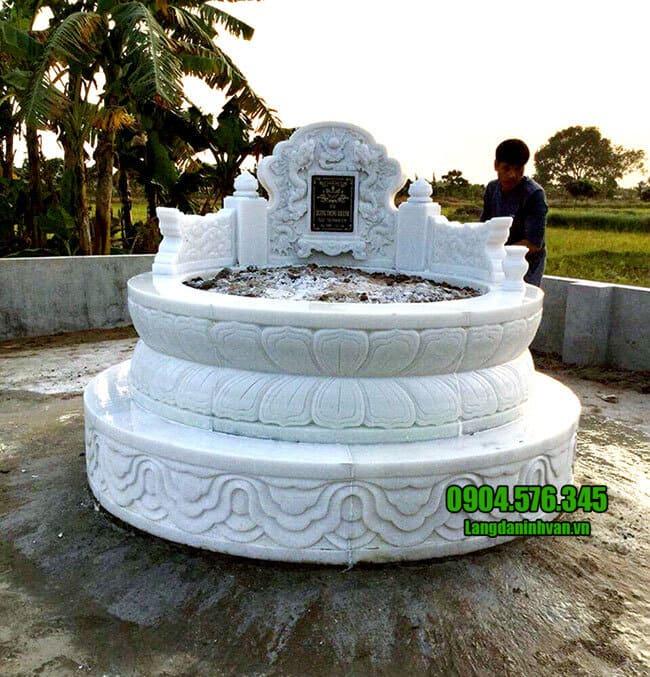 ảnh mộ bằng đá trắng