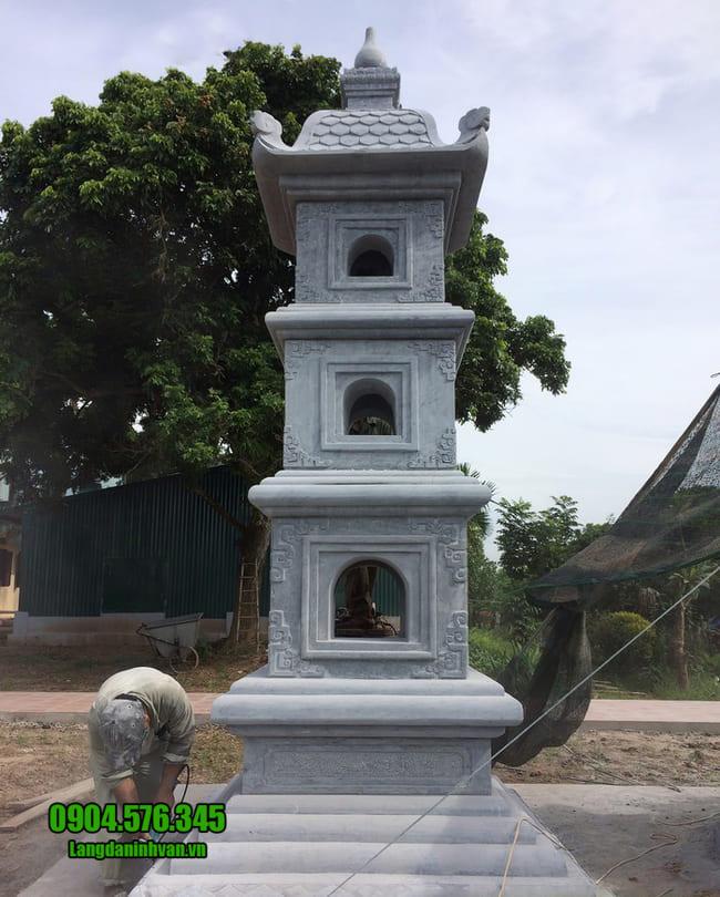 mẫu mộ tháp đá tại Huế