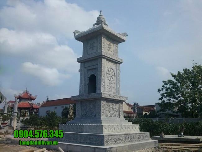 mộ tháp bằng đá tại Huế
