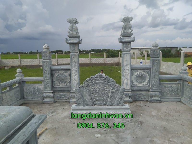 Lắp đặt cổng đá xanh tại khu lăng mộ hưng yên