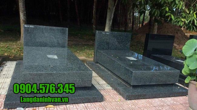 mộ bằng đá hoa cương nguyên khối
