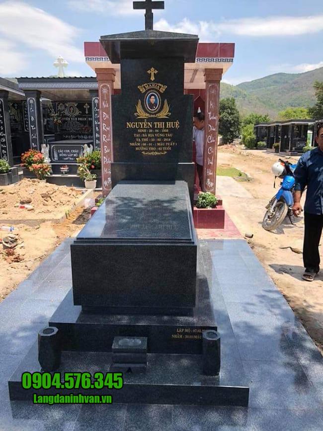 mộ công giáo bằng đá hoa cương đẹp