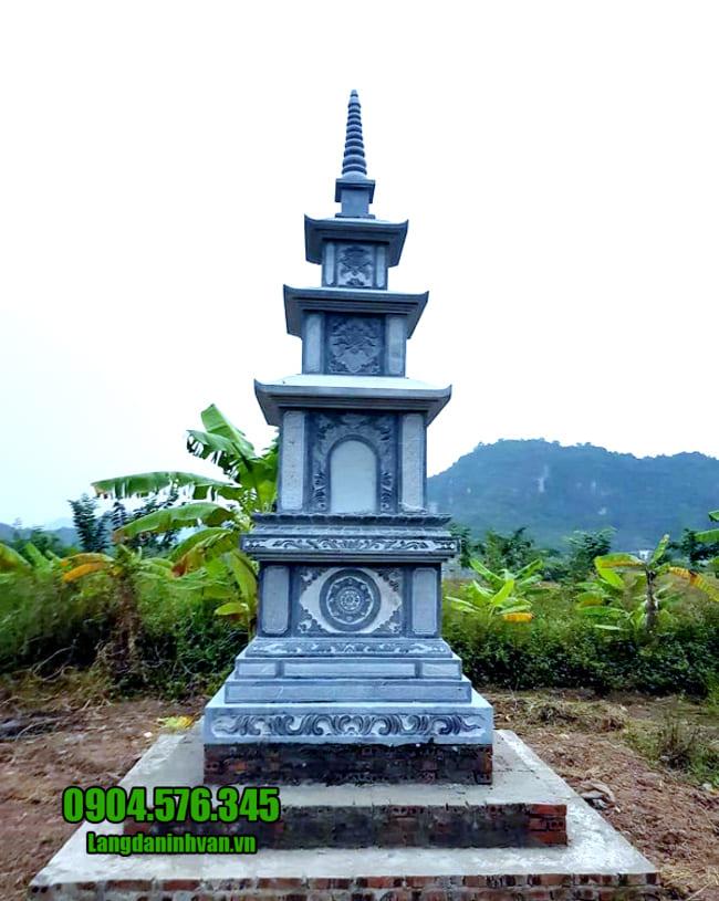 mẫu mộ tháp đá tại Phú Yên
