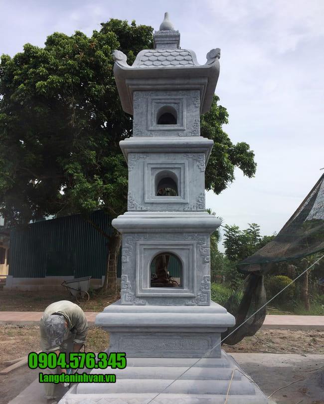 mộ tháp bằng đá tại Phú Yên