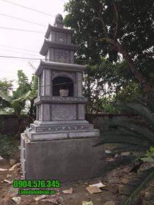 Mộ hình tháp phật giáo bằng đá tại Long An