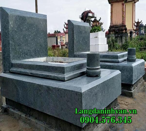 mẫu mộ tam cấp