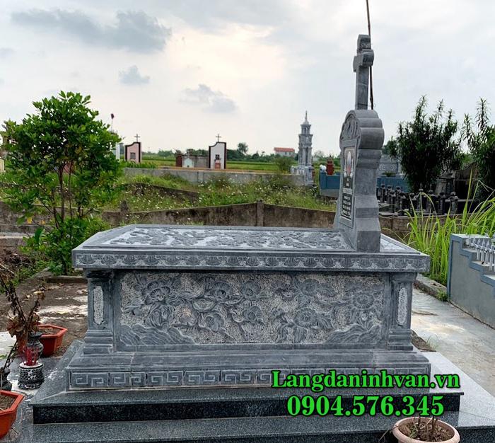 mộ đạo thiên chúa bằng đá